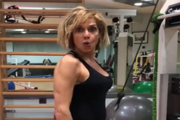 Κορμάρα στα 62 της η Άννα Βίσση: Αυτή είναι η δίαιτα που την διατηρεί