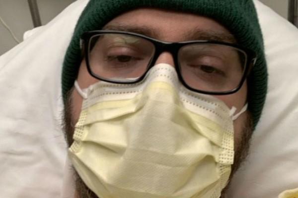 «Πονούν οι πνεύμονές μου, σαν να ρίχνεις οινόπνευμα σε πληγή» - Σοκαριστική περιγραφή ασθενή από κορωνοϊό (Video)