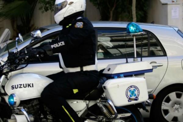 26χρονος έφτυσε αστυνομικούς! Συνελήφθη για διασπορά του κορωνοϊού - Σε καραντίνα 14 άτομα