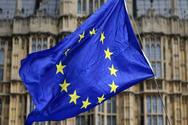 Άμεση δράση από την ΕΕ: Δίνει 37 δισ. ευρώ στους «27» για προστασία από τον κορωνοϊό (video)