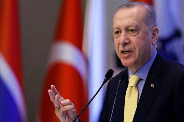 Κορωνοϊός: Ο Ερντογάν δίνει τον μισθό του για 7 μήνες