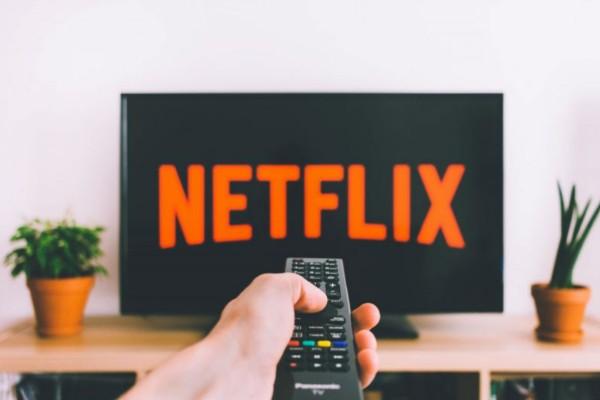 5+1 νέες ταινίες του Netflix που θα κάνουν το #μένουμε_σπίτι άκρως διασκεδαστικό!