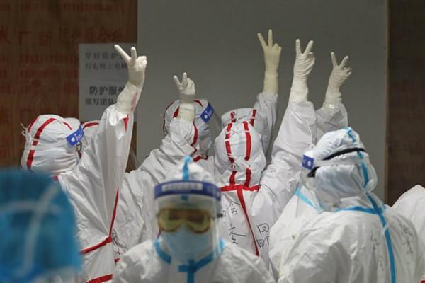 Ο εφιάλτης του κορωνοϊού δεν τελείωσε στην Κίνα: 20 νέα κρούσματα ήρθαν από το εξωτερικό!