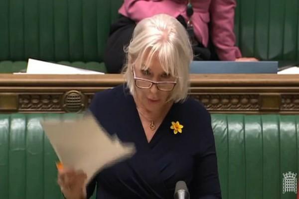 Συναγερμός στη Βρετανία: Η Υπουργός Υγείας προσβλήθηκε από τον κορωνοϊό!