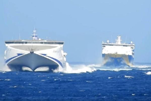 Κορωνοϊός: Πλέον μόνο οι κάτοικοι των νησιών θα ταξιδεύουν με τα πλοία