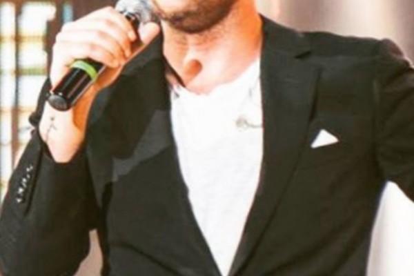 Νίκησε τον κορωνοϊό πασίγνωστος Έλληνας τραγουδιστής
