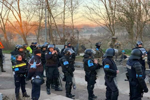 Εξελίξεις στον Έβρο: Ισχυρές δυνάμεις της Frontex έφτασαν στα σύνορα
