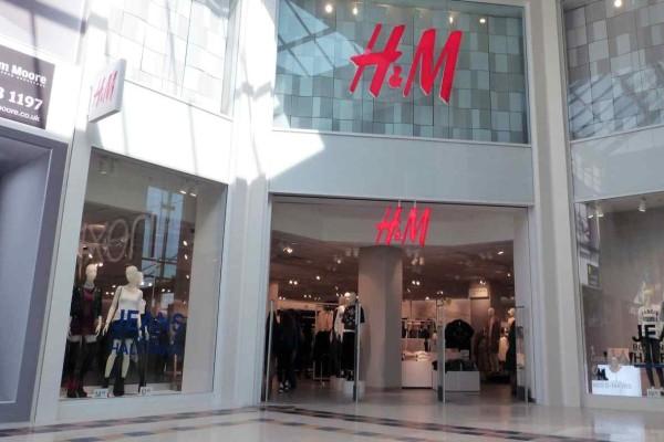 H&M: Η in fashion φούστα με τούλι που θα σε κάνει να νιώσεις ότι βγήκες από περιοδικό
