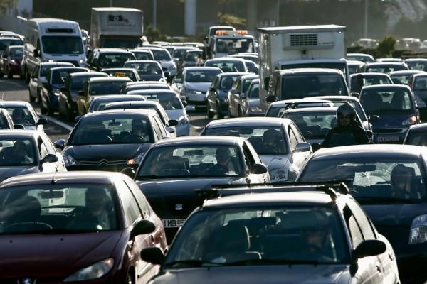 Στο «κόκκινο» η κίνηση στους δρόμους - Ποιους να αποφύγετε (photo)
