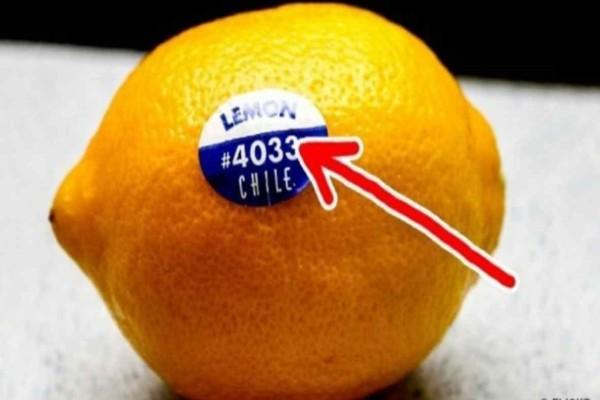 Προσοχή: Εσείς γνωρίζετε τι σημαίνουν οι κωδικοί στα αυτοκόλλητα που έχουν τα λεμόνια και άλλα φρούτα;