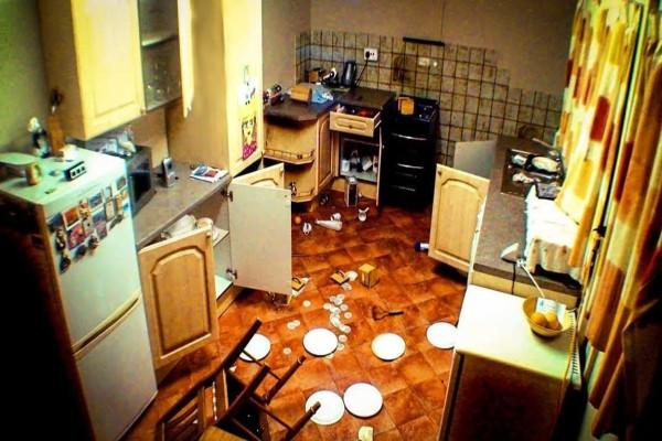 Έβαλαν κρυφή κάμερα στην κουζίνα αφού κάτι δεν πήγαινε καλά - Θα σας κόψει την ανάσα αυτό που κατέγραψε