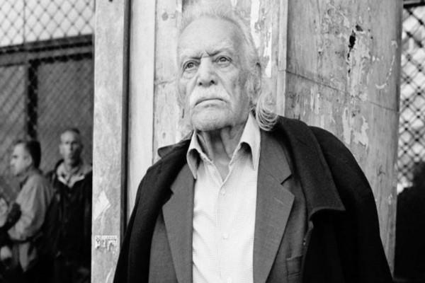 Σε κλειστό οικογενειακό κύκλο η κηδεία του Μανώλη Γλέζου