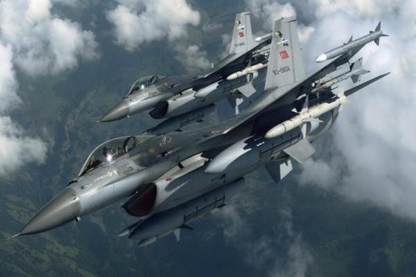 Βίντεο που ανατριχιάζει: Η υπερπτήση των τουρκικών μαχητικών στον Έβρο στα 500 πόδια!