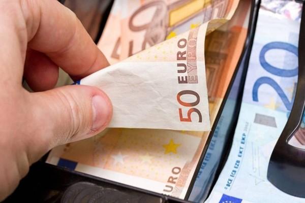 Κοινωνικό Μέρισμα βόμβα: Πως θα φορολογούνται τα 700 ευρώ
