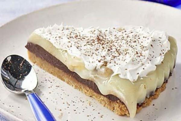 Μπισκοτογλυκό ψυγείου με μπισκότα Digestive, μπανάνα και μερέντα - Σκέτη απόλαυση