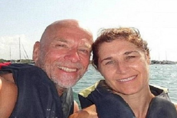 44χρονη έκανε το μοιραίο λάθος να βγάλει αυτή την selfie με τον σύζυγό της! Λίγο αργότερα...