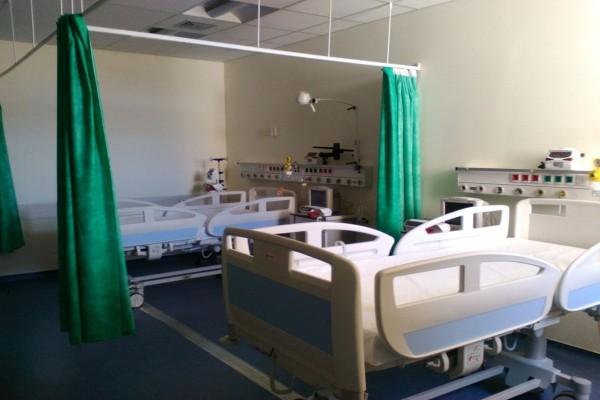 Είναι ένας γύφτος με κορωνοϊό στο νοσοκομείο σε διπλανό κρεβάτι με…: Ξεκαρδιστικό ανέκδοτο!