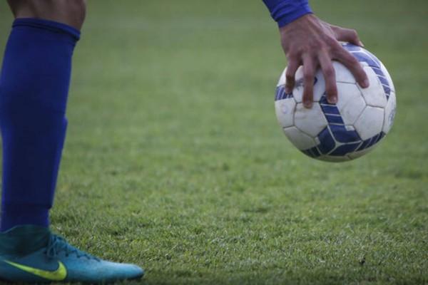 Θετικός στον κορωνοϊό ποδοσφαιριστής