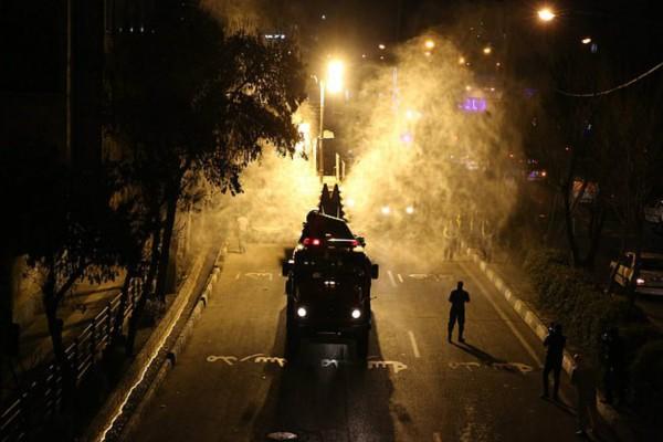 Εικόνες τραγωδίας στο Ιράν: Κατακόρυφη αύξηση νεκρών από τον κορωνοϊό - Ψεκάζει τους δρόμους ο στρατός!
