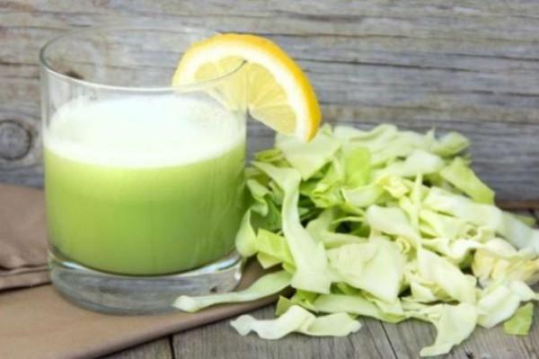 Ανακάτεψε λάχανο με λεμόνι και έτριψε το μείγμα στα μαλλιά της! Μόλις δείτε το αποτέλεσμα θα ενθουσιαστείτε!
