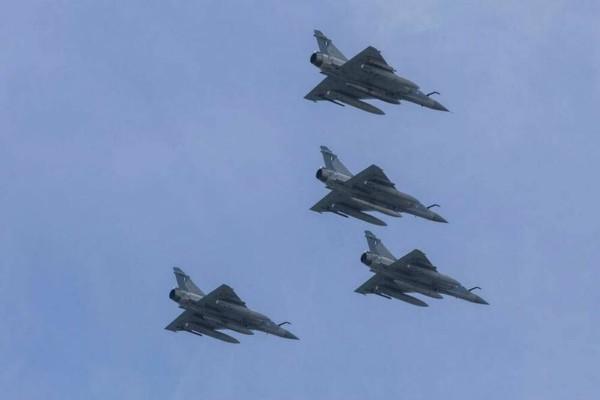 1000 μέτρα πάνω από Λειψούς τουρκικά μαχητικά - Συναγερμός στο Αιγαίο