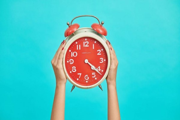 Αλλαγή ώρας: Πότε γυρνάμε τα ρολόγια μας μια ώρα μπροστά;