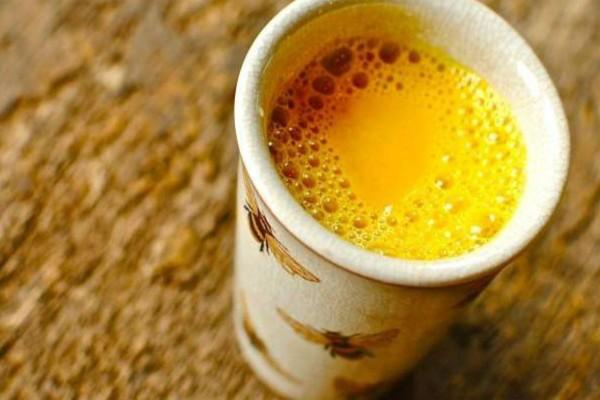 Χρυσό γάλα με κουρκουμά: Ένα ισχυρό αντιφλεγμονώδες ελιξήριο που μάχεται ακόμα και τον καρκίνο