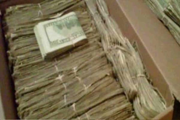 Παππούς βρήκε 95.000 δολάρια που η γυναίκα του έκρυβε για χρόνια, για έναν απίστευτο λόγο