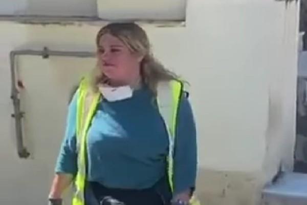 Δήμος Αθηνών: Υπάλληλος βρήκε 19.000 ευρώ και τα παρέδωσε (video)