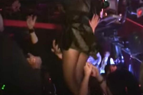 Τσιφτετέλι κόλαση: Γυναίκες χορεύουν και