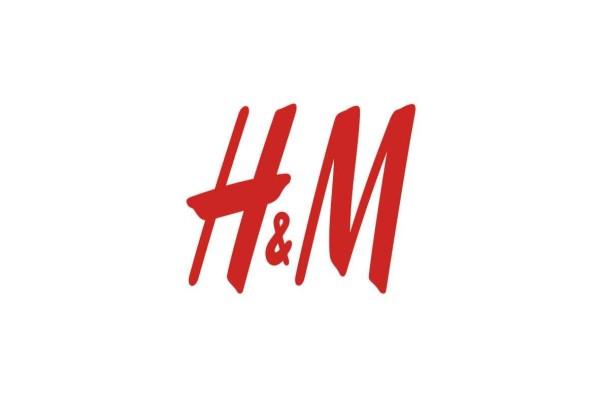 H&M e -shop: Η πιο σικάτη αέρινη φόρμα που κολακεύει κάθε σώμα