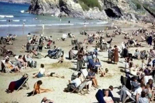 Ένας άντρας τράβηξε αυτήν την εικόνα σε μια παραλία - Τι περίεργο παρατηρήσατε;