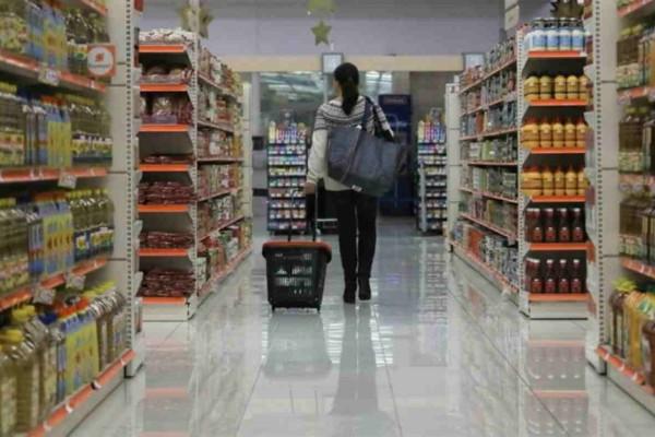 Κορωνοϊός: ''Να πηγαίνουν οι άνδρες για ψώνια γιατί οι γυναίκες είναι... αναποφάσιστες'' - Ατάκα δημάρχου που δεν πέρασε απαρατήρητη