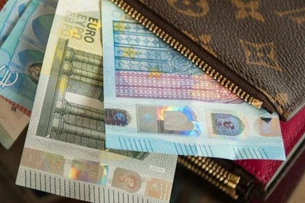 Επίδομα 800 ευρώ: Πότε ανοίγει η πλατφόρμα για τις επιχειρήσεις