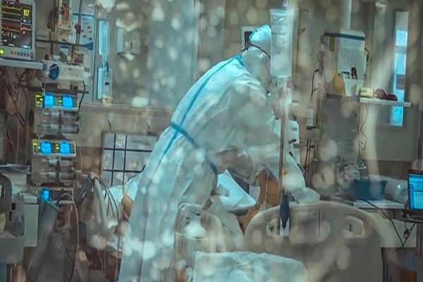 Ιατροδικαστής πέθανε από κορωνοϊό - Κόλλησε από νεκρή γυναίκα