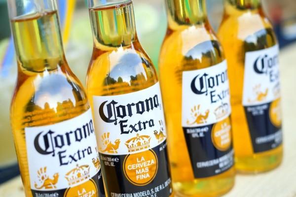 Καμία ελπίδα στον κόσμο: Η μπύρα Corona σταμάτησε την παραγωγή της… εξαιτίας του κορωνοϊού!