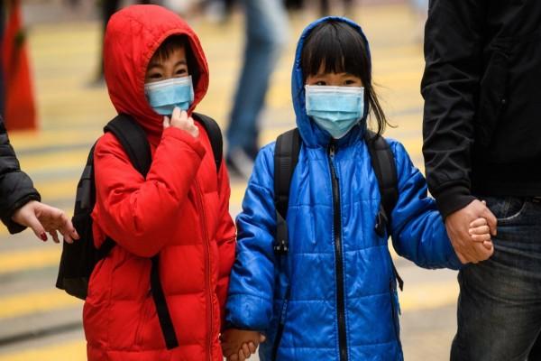 «Βόμβα» από τον ΠΟΥ: Ο εφιάλτης δεν έχει τελειώσει - Τα παιδιά κινδυνεύουν άμεσα από την πανδημία