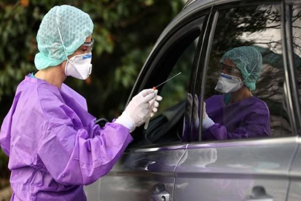 Πανικός στη Γερμανία: Τουλάχιστον 2.300 γιατροί και νοσηλευτές έχουν κορωνοϊό!