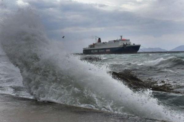 Καιρός: Τα μποφόρ «έδεσαν» πλοία στα λιμάνια - Ποια δρομολόγια δεν έγιναν