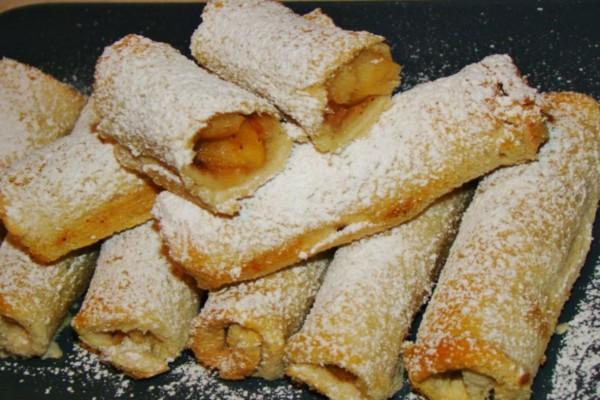 Τα πιο νόστιμα μηλοπιτάκια με ψωμί του τοστ έτοιμα σε χρόνο... μηδέν!