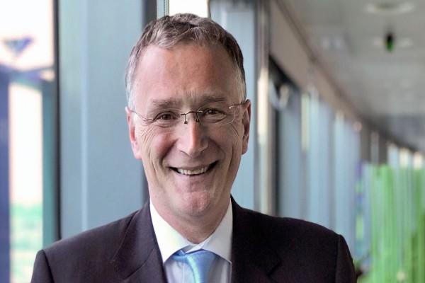 Πανικός: Παραίτηση του προέδρου του Ευρωπαϊκού Συμβουλίου Έρευνας λόγω κορωνοϊού!