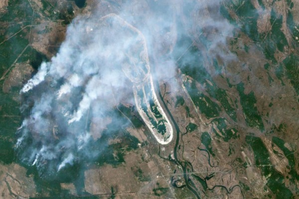 Συναγερμός στο Τσέρνομπιλ: Σε απόσταση ενός χιλιομέτρου η πυρκαγιά από τον πυρινικό σταθμό