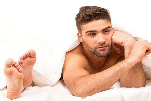 7 σημάδια που αναγνωρίζεις ότι κάποιος είναι gay