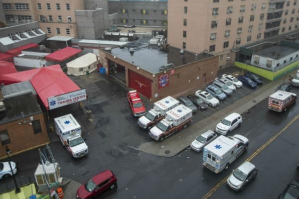 Φρίκη: 17 πτώματα βρέθηκαν σε αυτοσχέδιο νεκροτομείο σε γηροκομείο