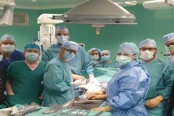 Φοβερές εικόνες: Η ΜΕΘ κλείνει και οι γιατροί… πανηγυρίζουν