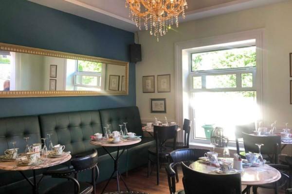 Ξεκίνησαν τα «λουκέτα» - Κλείνει το γνωστό κατάστημα-καφέ «Αμαρυλλίς» στην Κηφισιά  (photo)