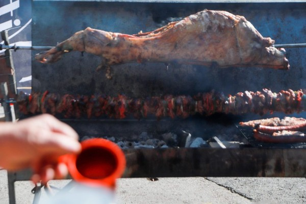 Κορωνοϊός: Πόσο θα φτάσει η τιμή του οβελία το Πάσχα;