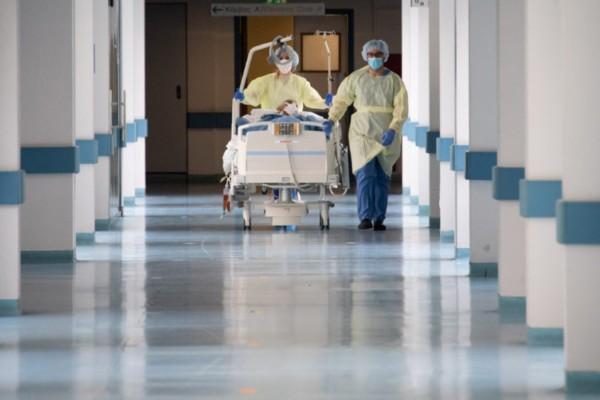 Στους 89 οι νεκροί από κορωνοϊό στην Ελλάδα - Κατέληξε 67χρονη στο «Ασκληπιείο»