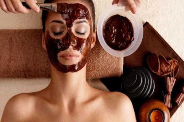 Η πιο... νόστιμη θεραπεία για το πρόσωπό σας έχει πορτοκάλι και κακάο!