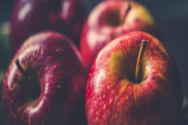 Μετά από κάθε γεύμα μασούσε μια φέτα μήλου - Μόλις δείτε το λόγο θα τρέξετε να το κάνετε